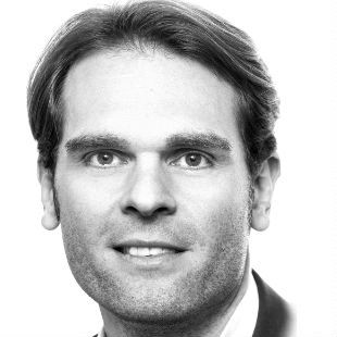 Dr. Florian Drücke Headshot