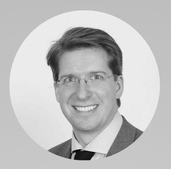 Florian Laszlo Headshot