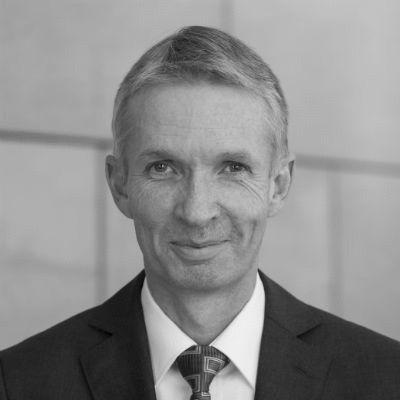 Dr. Gerhard Papke Headshot