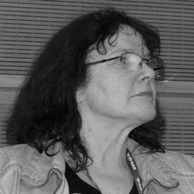 Gisela Breuhaus Headshot