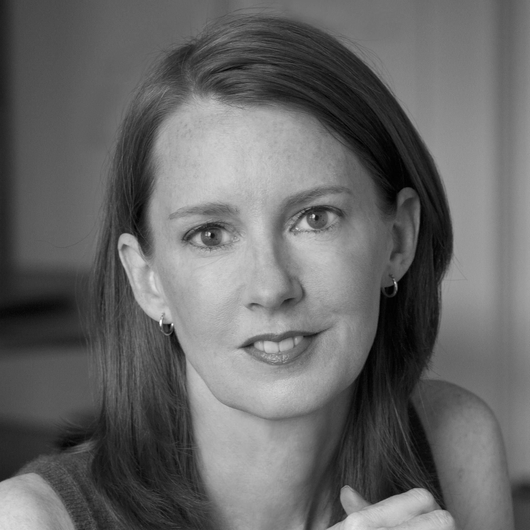 Gretchen Rubin Headshot