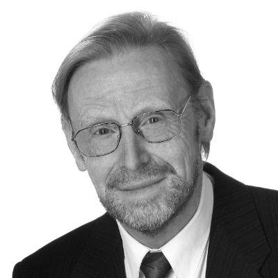 Prof. em. Dr. Günter Buchholz Headshot