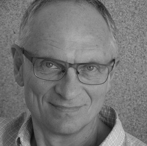 Gunther Neumann Headshot