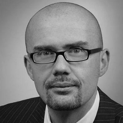 Dr. Hans-Thomas Tillschneider Headshot