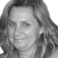 Heather Hollis Headshot