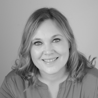 Helen Ries Headshot
