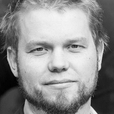 Henning Lindhoff Headshot