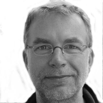 Holger Nacken Headshot