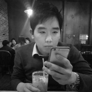 김현성 Headshot