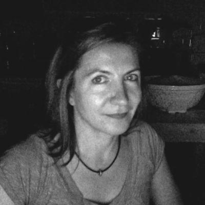 Ilona Biro Headshot