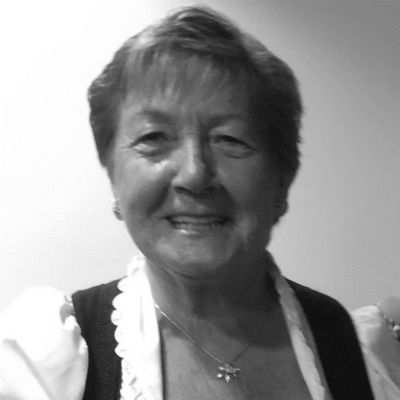Ingrid Behringer Headshot