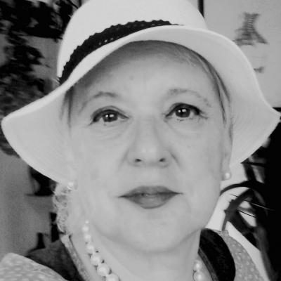Isabella Khazeesi