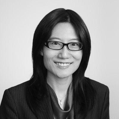 Ivy Chiu Headshot