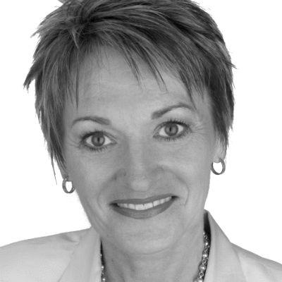 Jackie Nagel Headshot