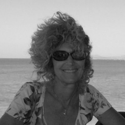 Janie Emaus Headshot