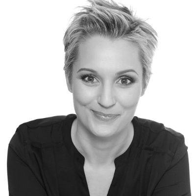 Janine Steeger Headshot