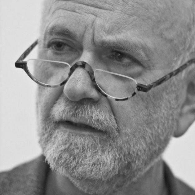 Jürgen Roth Headshot