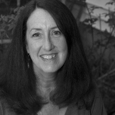 Jeanne Faulkner Headshot