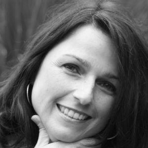 Jeannine Klos Headshot