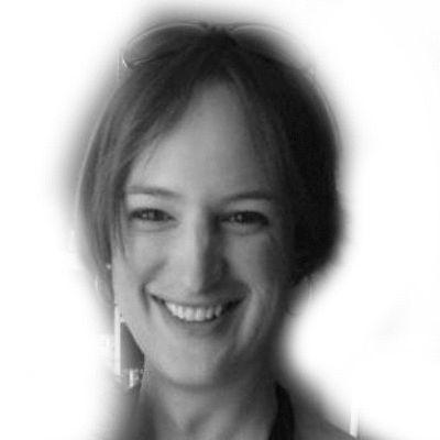 Jen Richards Headshot