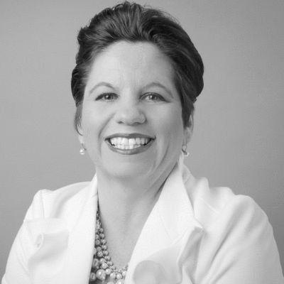 Jennifer Pellegrini Headshot