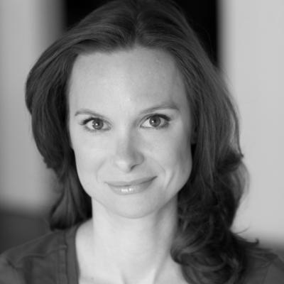 Jennifer Weedon Palazzo Headshot