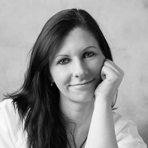 Jennifer Wellen Headshot