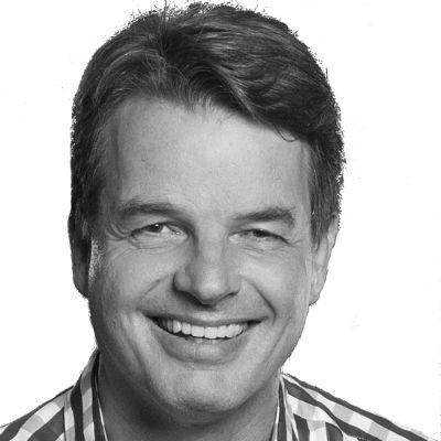 Dr. Jens Baganz Headshot