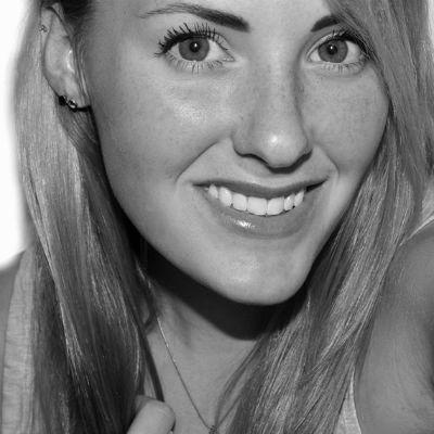 Jessie Fox Headshot