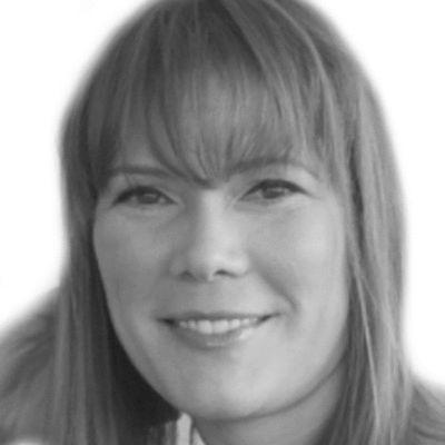 Joy Kosak Headshot