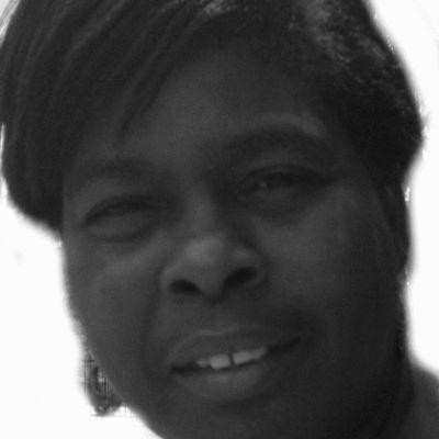Joyce Shaw Headshot