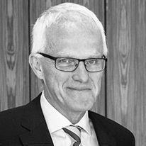 Prof. Dr. Jürgen Rüttgers Headshot