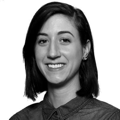 Julia Brucculieri Headshot