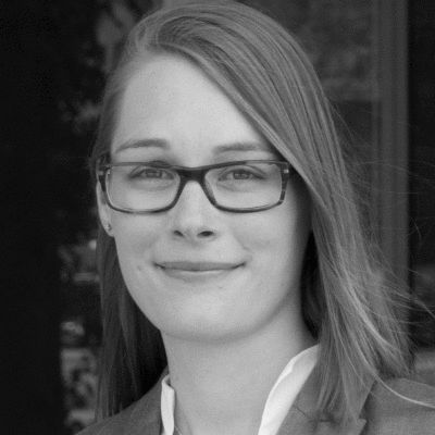 Julia Kümper Headshot