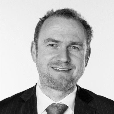 Prof. Dr. Julian Kawohl Headshot