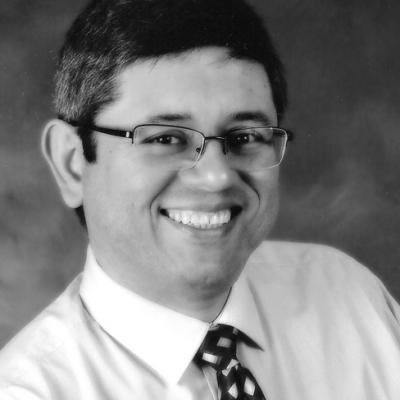 Julio Fernandez Headshot