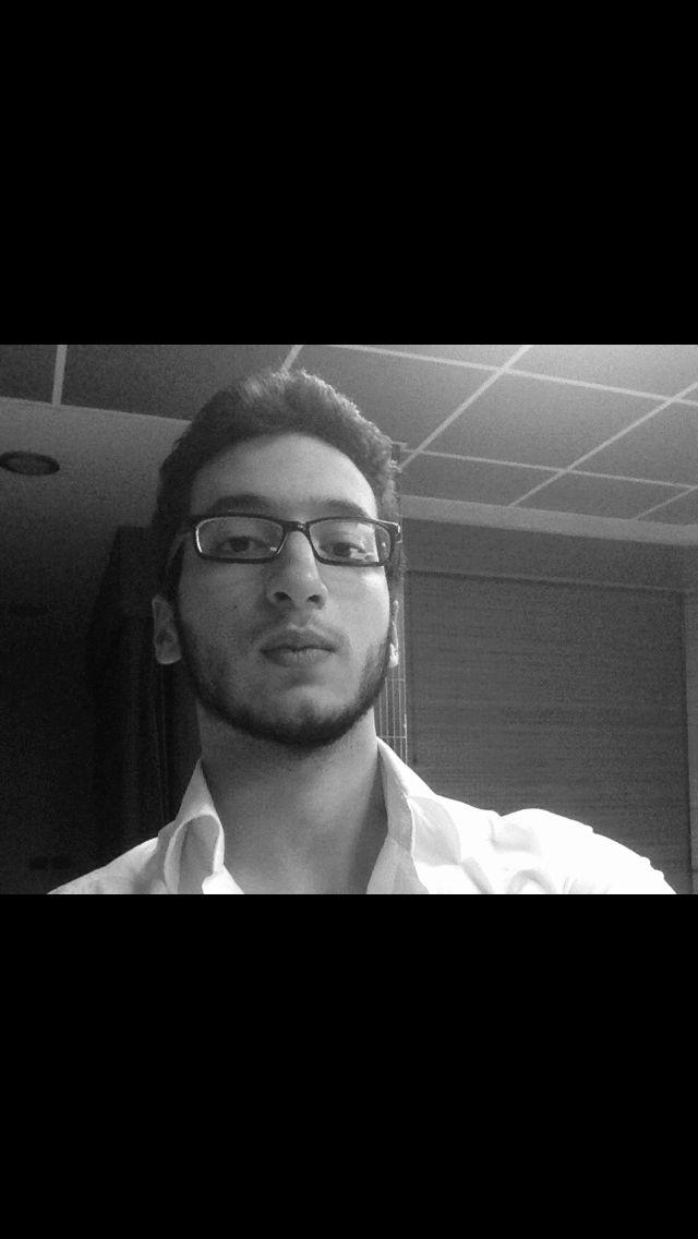 كريم السفاريني Headshot