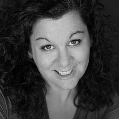 Karen Mangiacotti Headshot