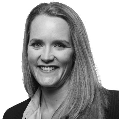Karin Glattes Headshot