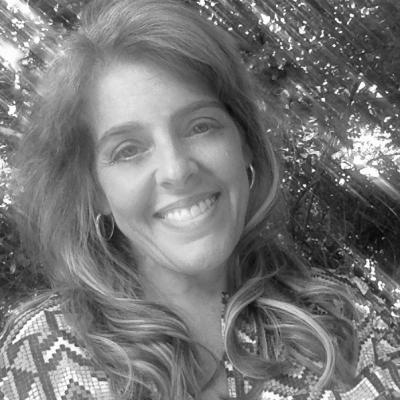 Kate Scharff Headshot