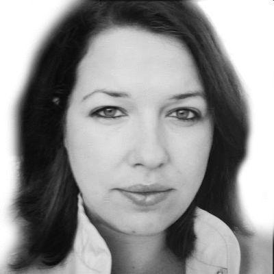 Katharina Frank Headshot