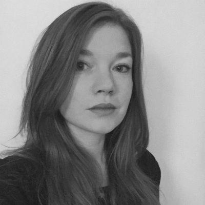 Katharina Schneider Headshot