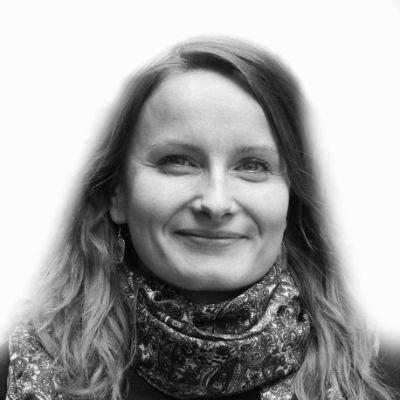 Katharina Tölle Headshot