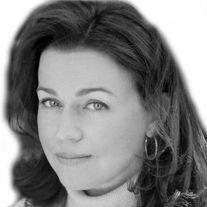 Kathleen Smith Headshot