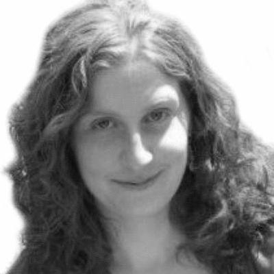Katie Naum Headshot
