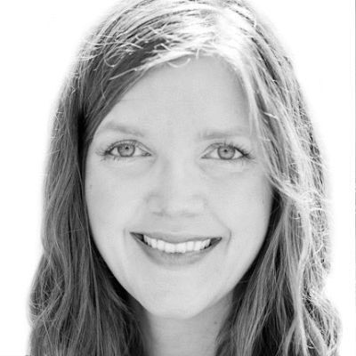 Kelly Pfeiffer Headshot
