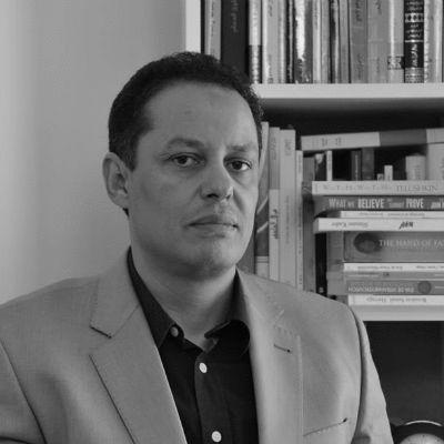 د. خالد حاجي  Headshot