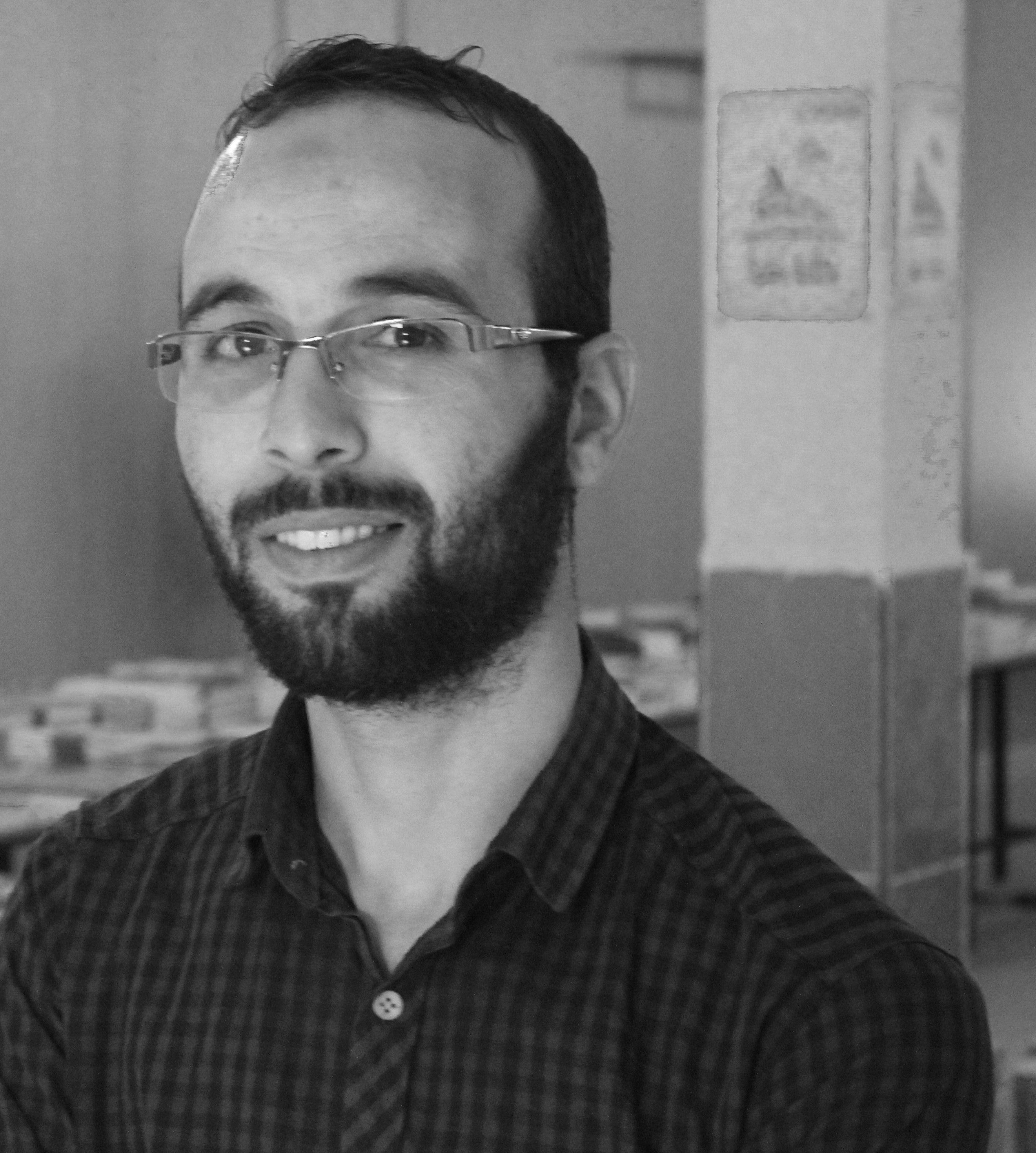 خالد ربوح  Headshot