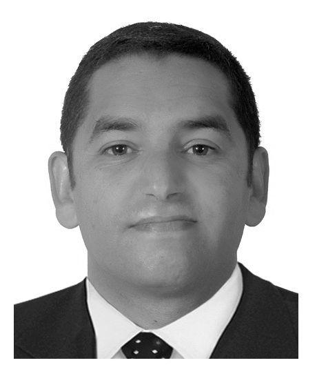 خالد التاج Headshot