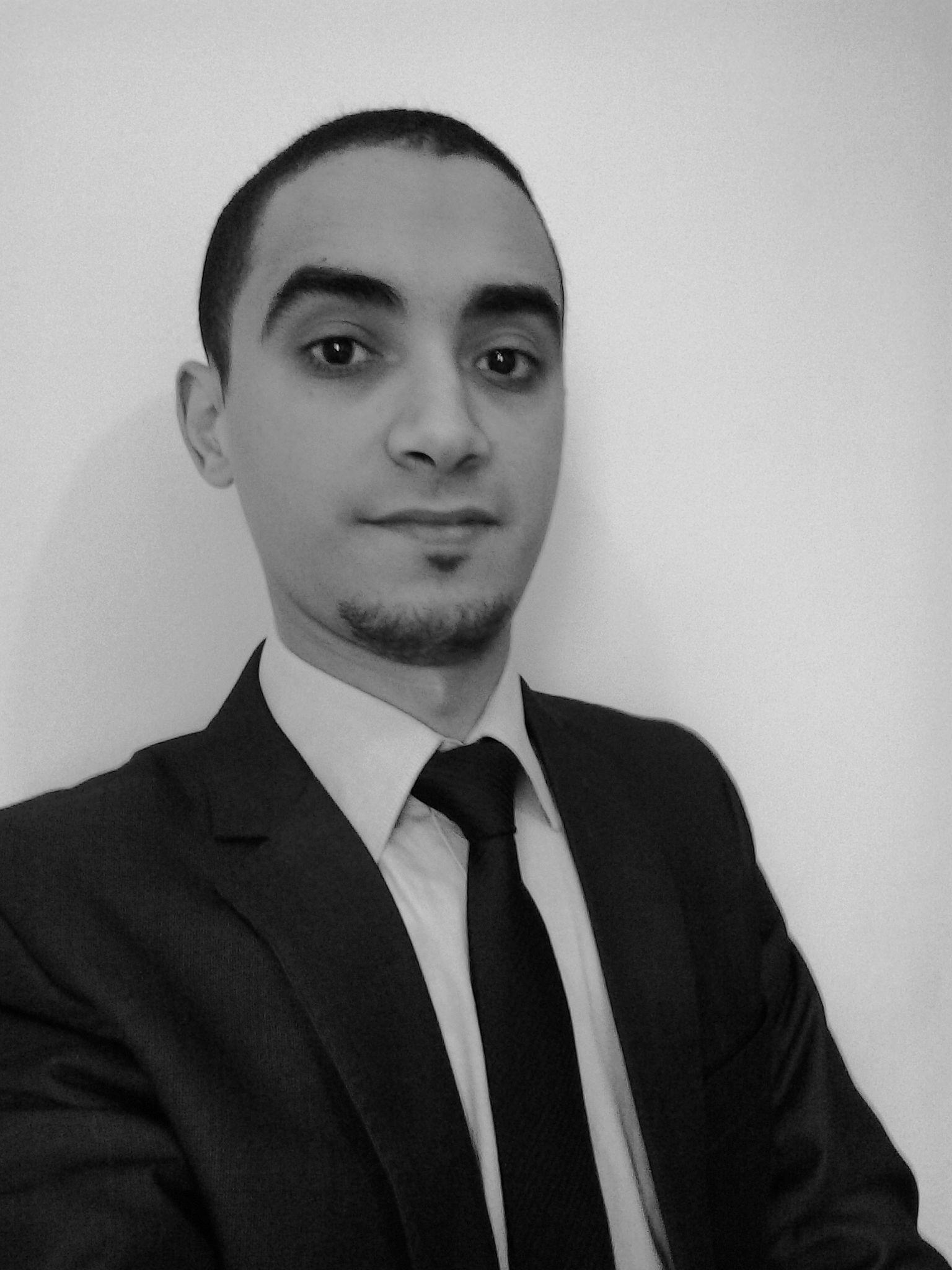 كنني خالد Headshot